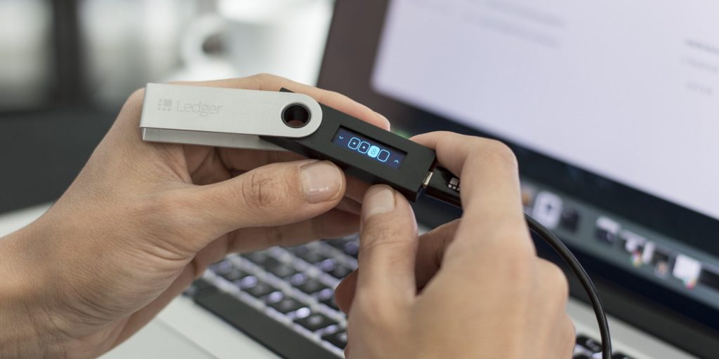 Ledger Live:Keeping Cryptocurrency secure Now Made Easy with Hardware wallets