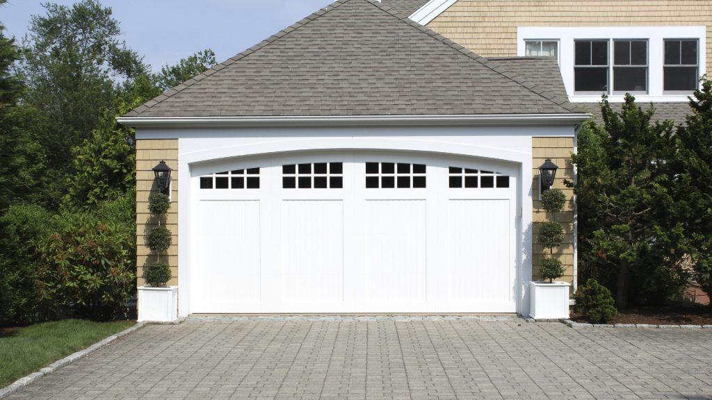 The garage door repair Nottingham is complete and very safe
